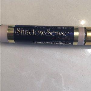 Shadowsense in Sandstone Pearl